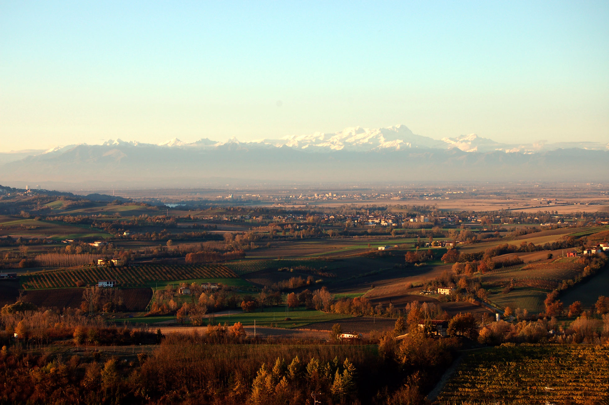 Monferrato panorama Monte Rosa